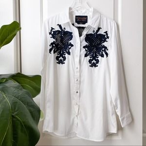 Soft Surroundings white navy embroidered button up
